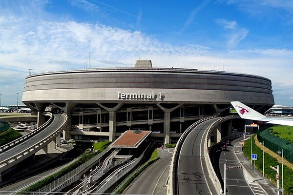 Charles de Gaulle: cel mai mare aeroport din Europa după raportul dintre suprafață și numărul de pasageri