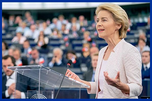 Ursula von der Leyen, președintele Comisiei Europene, vorbind în PE