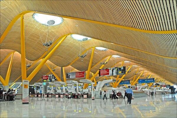 Aeroportul Barajas din Madrid, al șaselea dintre cele mai mari aeroporturi din Europa